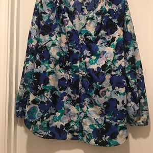 Daisy Fuentes printed blouse size Large